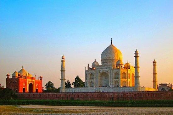 Full-Day Taj Mahal Soloppgang Utflukt...