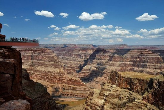 Grand Canyon West Rim Coach Tour fra...
