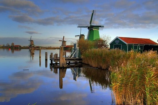 小グループZaanse Schans Windmills、Volendam、Ol…