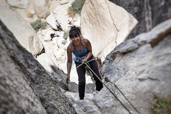 约书亚树国家公园的初学者攀岩课程