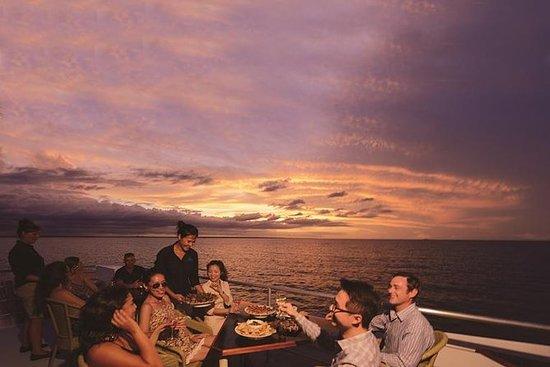 达尔文港日落游轮可选自助晚餐