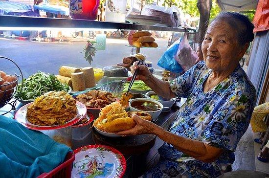 来自岘港的会安美食品尝和自行车之旅