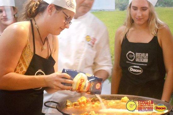 Mercado Central访问的Valencia Paella烹饪班