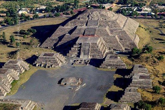 Teotihuacan Pyramidene Private Tour...