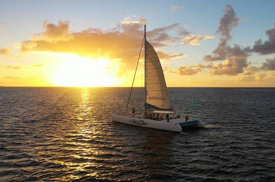 苏弗里耶尔私人3小时双体船日落游船 - 最多10位客人