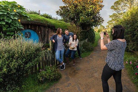 Hobbiton en Waitomo Caves tour met ...