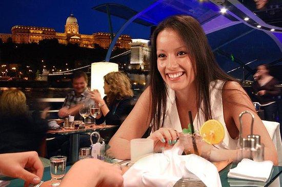 布達佩斯Legenda Cruises的燭光晚餐巡遊
