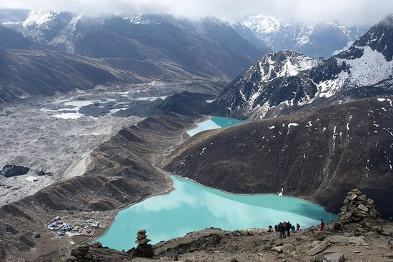 Trek do Everest Base Camp via Gokyo...