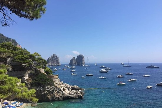 Capri COLLECTIVE excursion en bateau...