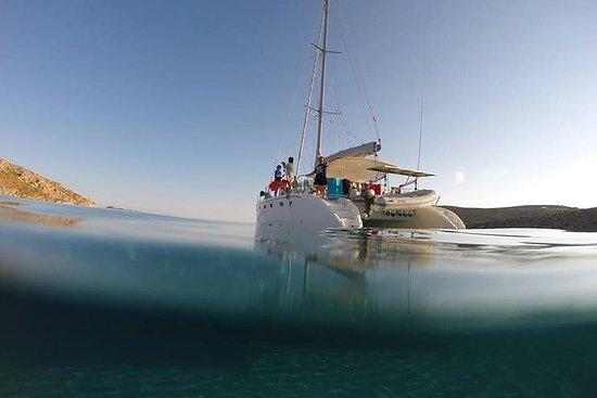 Mykonos Catamaran私人日落帆船游轮与食物和饮料