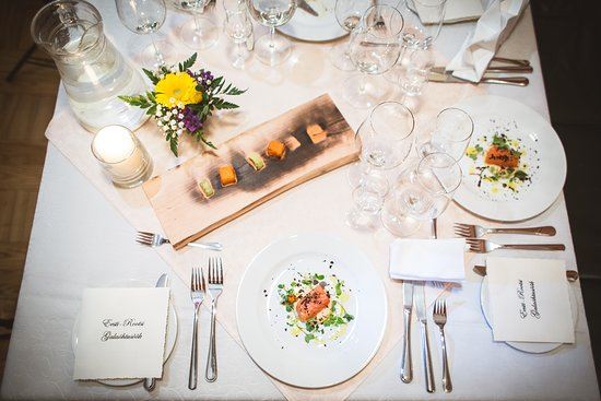 Vilde Ja Vine: Nice table for gala dinner