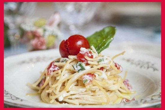在Cesarina的Civitavecchia的家中体验用餐体验