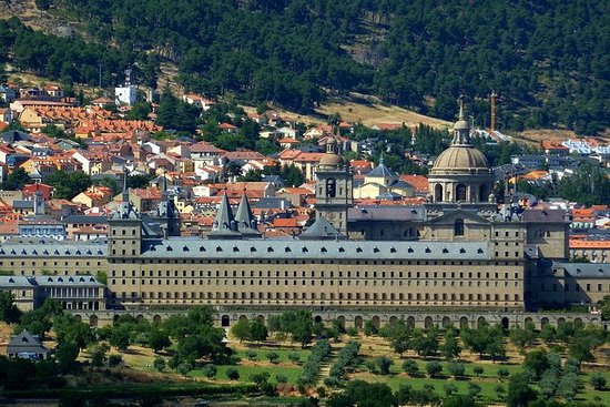 Full Day Tour to El Escorial, Valley...