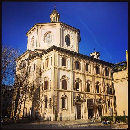 Milán, Italia: Chiesa di San Bernardino alle Ossa, Milano centro