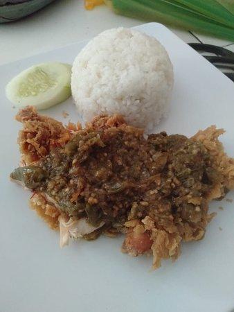 Rina fried chicken: Mantap