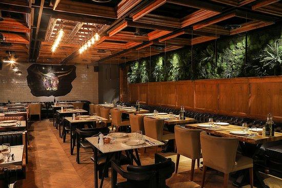 Ottoman Steak House & Kebab: Каждый почувствует себя в Ottoman комфортно. Персонал говорит на русском, английском и турецком языках, чтобы максимально упростить коммуникацию с гостем. Для постоянных посетителей действует дисконтная программа «Почетный гость». Карта лояльности позволяет воспользоваться скидкой 10% во всех ресторанах сети rmcom.