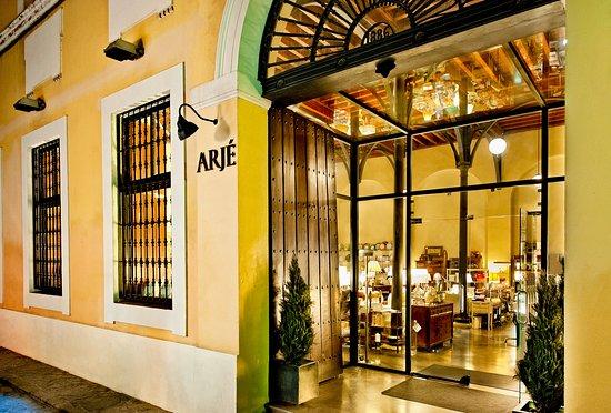 Fachada tienda Pasaje de Andreu nº2