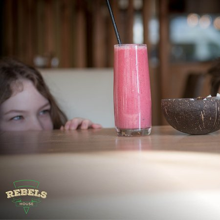 Rebels House Pizzeria & Pancakes: At Rebels House, we offer a range of tasty smoothies.