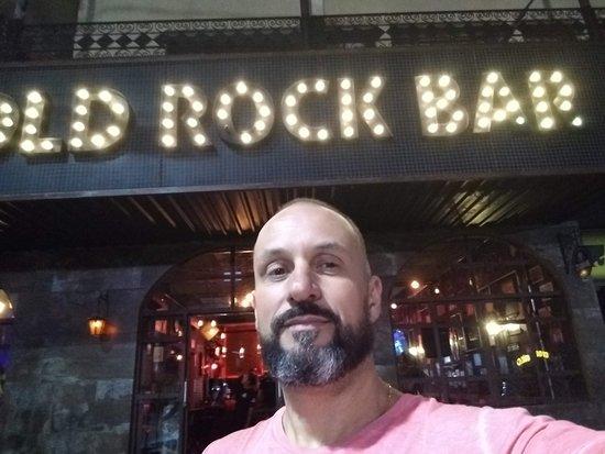 Umuarama, PR: Fachada do Old Rock Bar