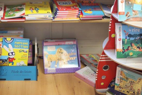 Vue intérieure de cette librairie