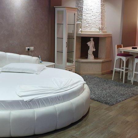 Lushnje, Albania: Alpet Hotel