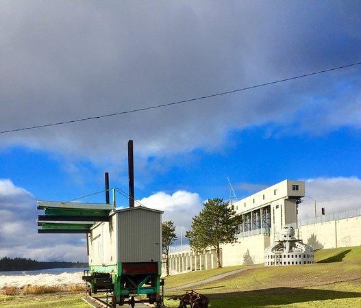Nouveau barrage d'Angliers. Rénovation terminée à l'automne 2018.