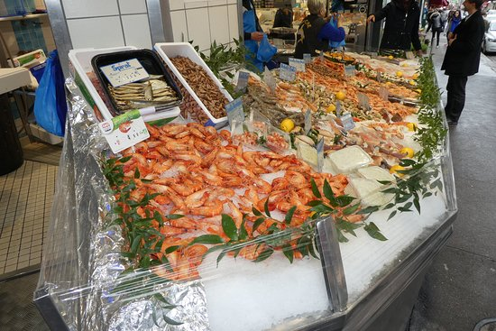 wonderful display of seafood in Fishmongers