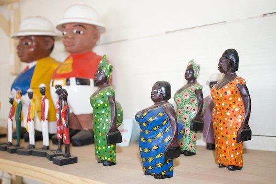 سلا, الرأس الأخضر: Buracona - Cape Verdean Handicraft