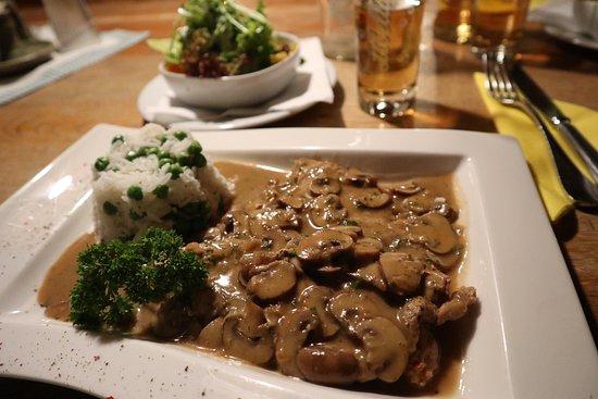 Jausenstation Schauphof : Champignonschnitzel mit Erbsenreis