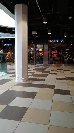 Greggs in Waverley Mall