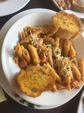Seafood Penne Pasta (fresh jumbo lump  crab meat, crawfish & shrimp). Penne pasta  Tossed In a creamy house made Alfredo sauce