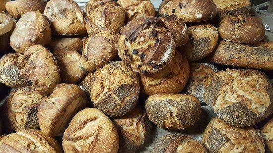 le Fournil de St Loup - Organic bread: Pains au lin