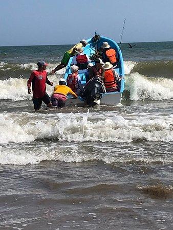 Isla Iguana: Boat before leaving in the very choppy waters