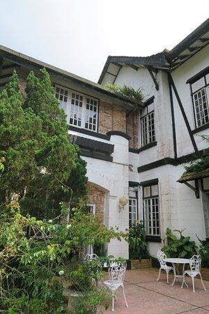 Very nice Old Tudor Style English Hotel