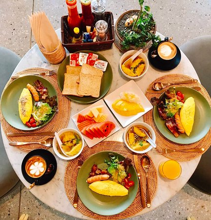 Mila Thapae Hotel: Breakfast
