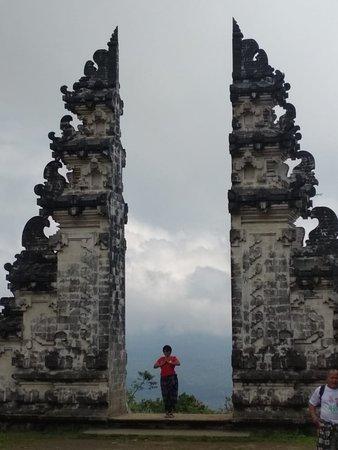 Gate to the heaven, lempuyang temple