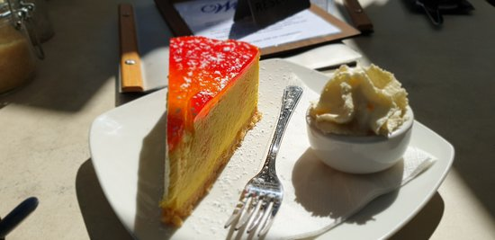 Normanville Kiosk & Cafe: Normanville Kiosk and Cafe  mango mascarpone cheesecake  and side serve cream