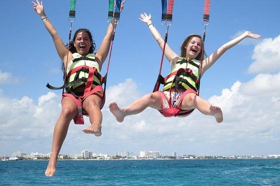 Parapendio a Cancun, compresi i