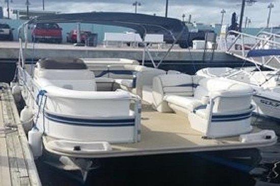 Pontoon Rental in Riviera Beach Marina