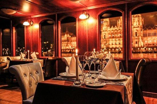 Pannonia Gastroboat - Cena gourmet...
