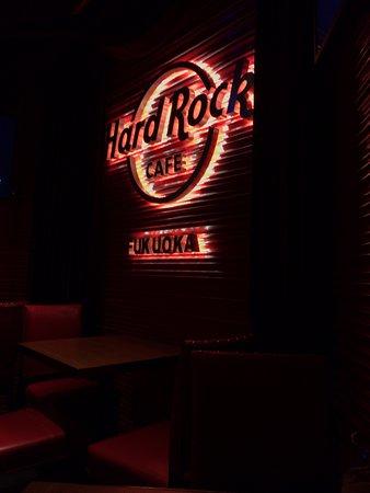 Hard Rock Cafe Fukuoka: ロゴはどこでも同じか