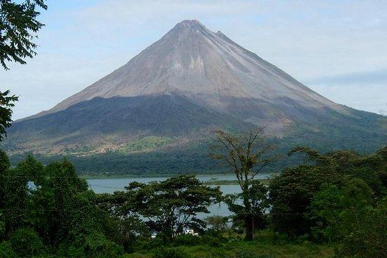 3 Días - 2 Noches: Volcán Arenal y...