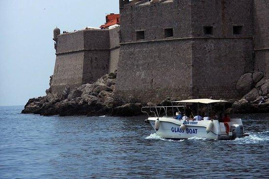 Explorez Dubrovnik en bateau...