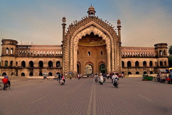 Lucknow Darshan Tour