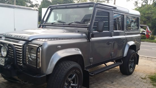 Colombo, Sri Lanka: Land Rover Defender 110, Puma 7 seater, Dual conditioned SUV ready for action !