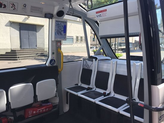 Linie 12: The interior of the bus without a steering wheel.