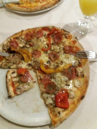 Pizza piccantina e semifreddo al pistacchio