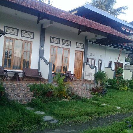 Aris Homestay and Warung Made