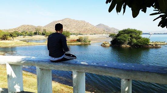 Cycling in Udaipur Rajasthan India (Beautiful Lake)