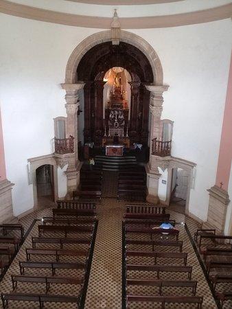 Vista do altar principal da Igreja São Pedro dos Clérigos